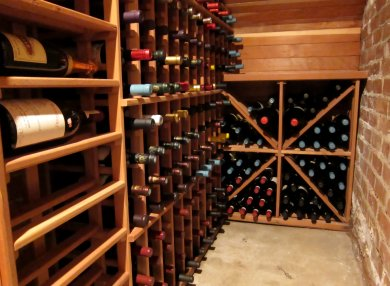 Thereu0027s a lot of bad wine software out there. I looked long and hard for a good web based wine inventory solution before settling on CellarTracker ... & Nelsonu0027s Weblog: culture / food / wine-cellar-software